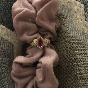 10K ruby vintage style ring ❤️💍